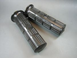 Twist grip 24mm black w. logo (pair) Vespa PV, V50, Sprint