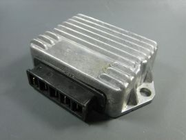 Spannungsregler 12V 5-Pins (G,G,+B,C,Masse)
